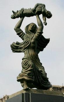 Памятник жертвам Ходжалы впервые был установлен в Баку в 1993 году